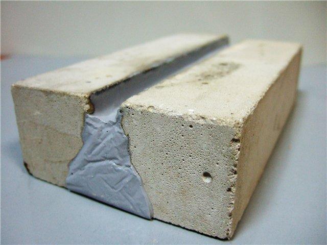 Устойчивый к землетрясениям герметик