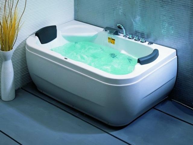 Уникальные акриловые ванны сегодня