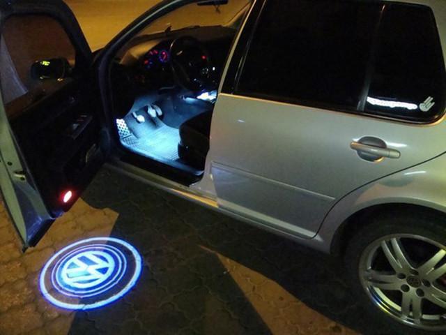 Лазерная подсветка двери авто