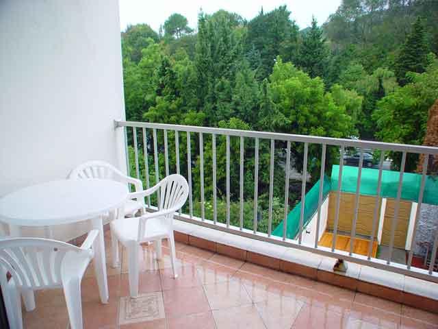 Выбираем мебель для балкона и лоджии