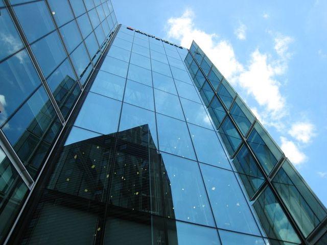 Оригинальные стеклянные фасады