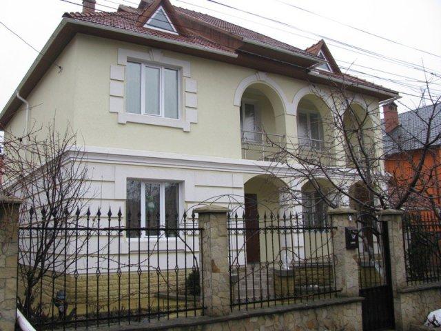 Дома с двумя этажами